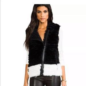 NWT Marc by Marc Jacobs Jacq fur vest black/white
